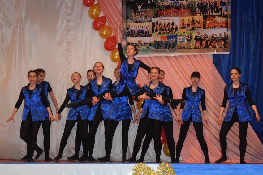 tantsevalnie-ansambli-iz-golih-zhenshin